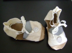 Baby shoes in Lenci cloth